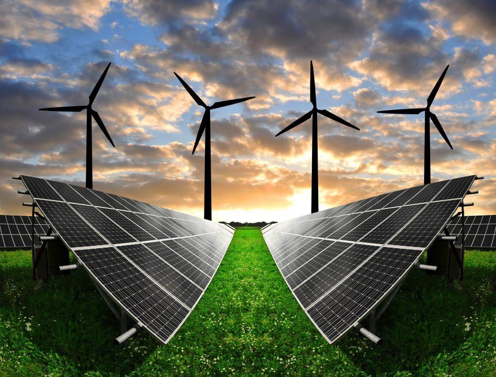Gracias a las investigaciónes y nuevos desarrollos tecnologicos como las nuevas baterías de lito las energías renovables han disminuido de costo.